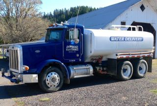 1994 Peterbilt 378 Water Truck photo
