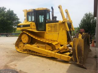 Caterpillar D6h Dozer photo