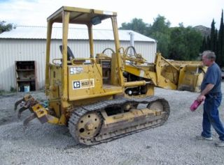 Caterpillar 931 - B Crawler Loader With 4/1 Bucket,  M/s Ripper photo