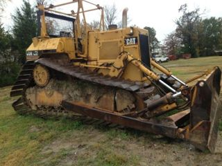 D5h Caterpillar Dozer photo