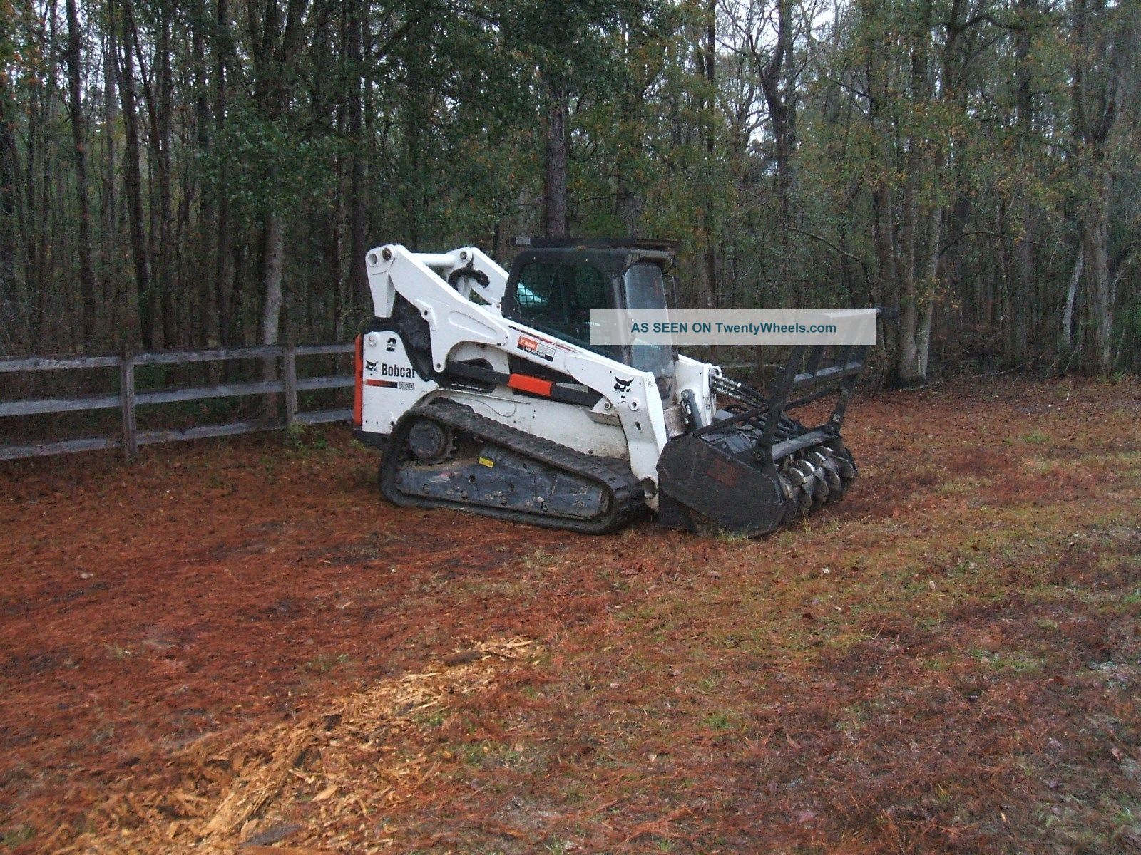 Bobcat t870 with forestry mulcher