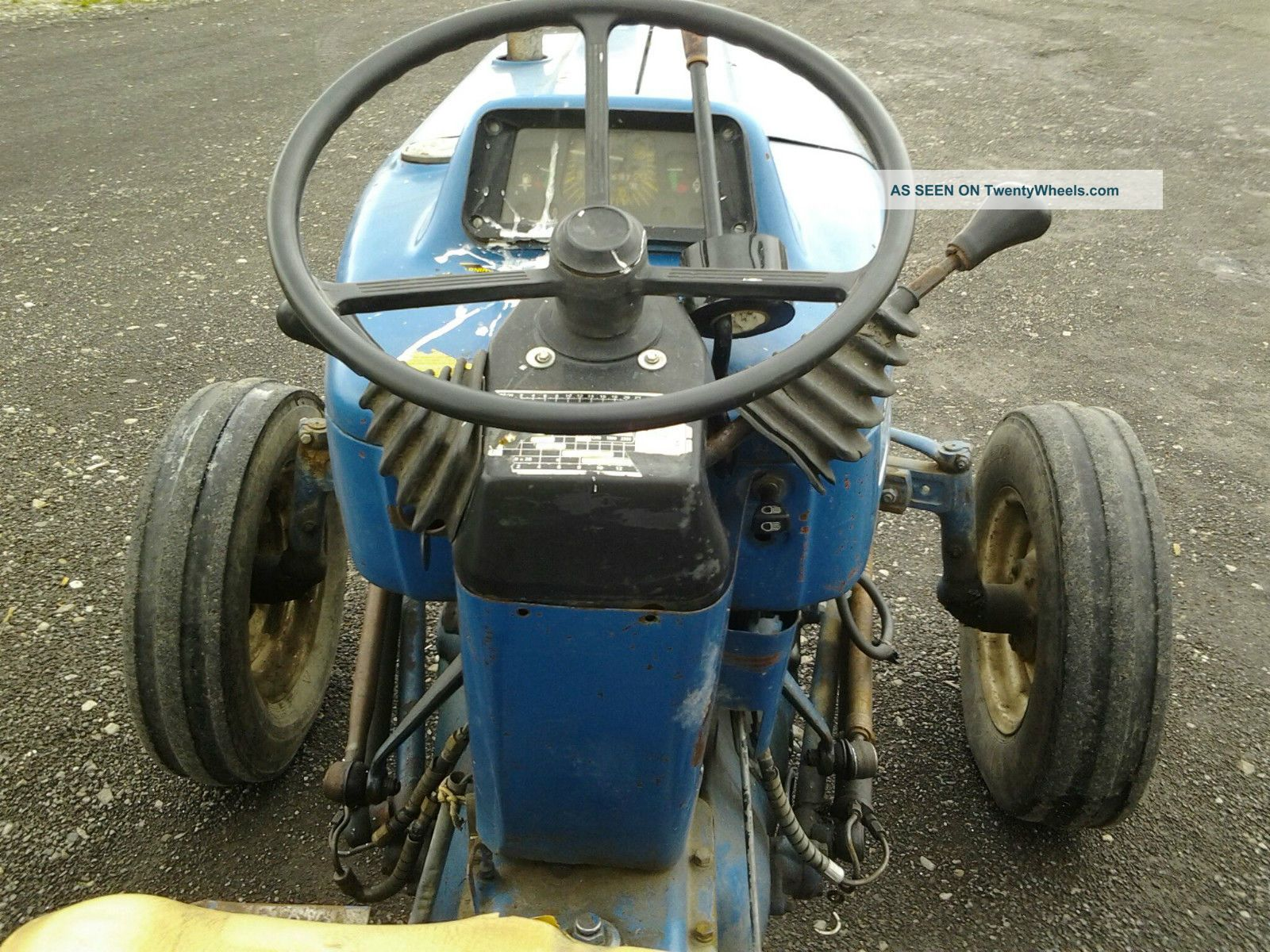 tractor ford  utility
