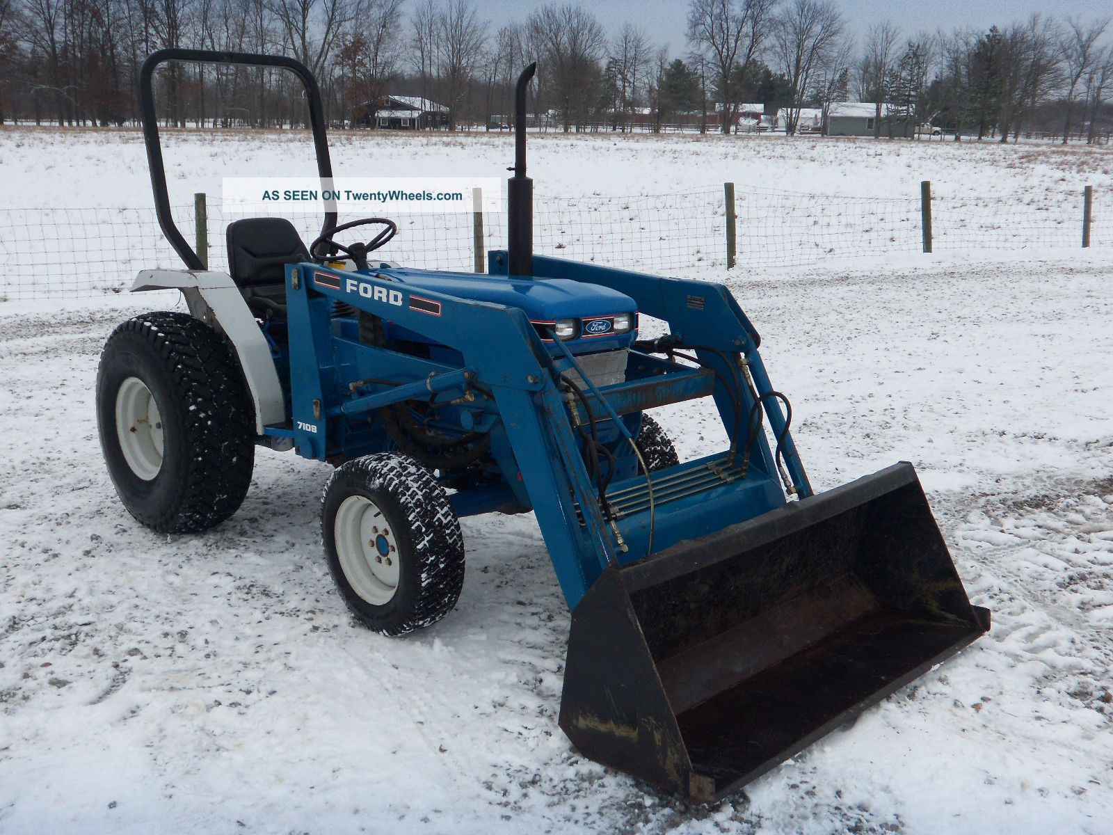 Ford 1710 Loader : Compact diesel ford tractor