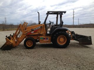 Case 570 Mxt Landscape Tractor With Front End Loader And Boxblade photo