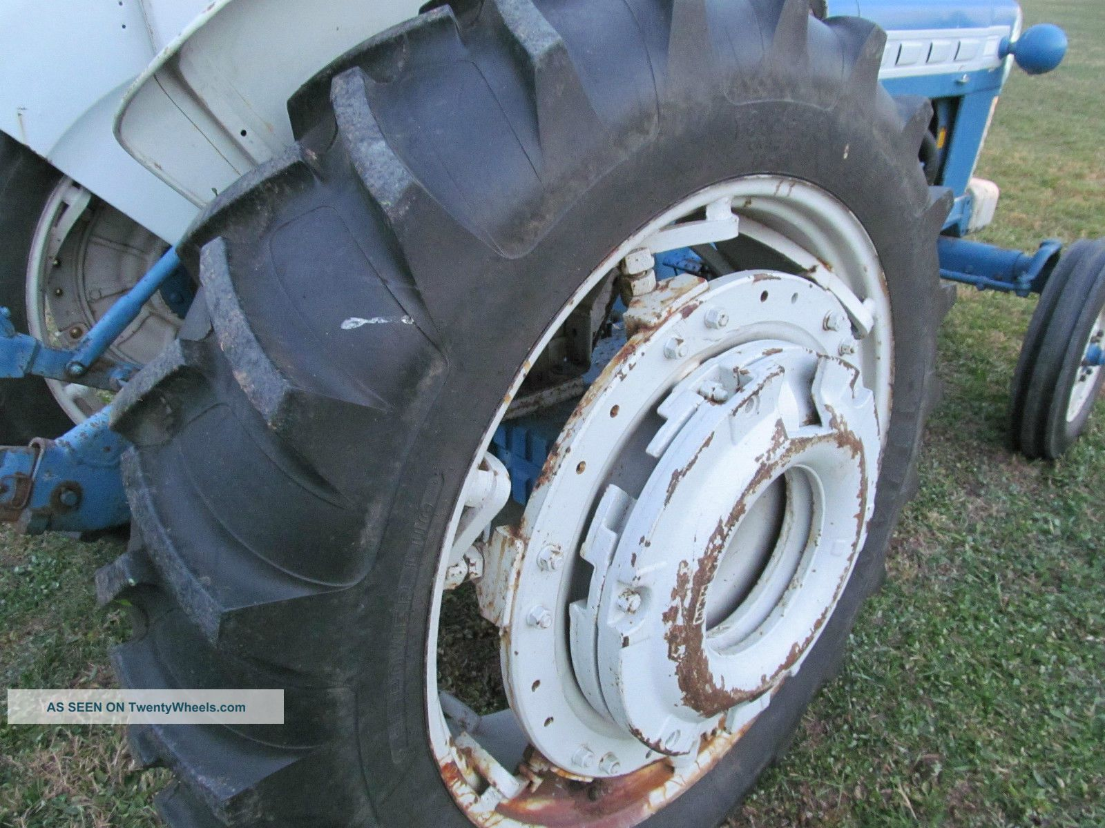 Ford 4000 Tractor Fenders : Ford tractor rear tires