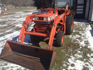 Kubota L2050 Front Loader photo