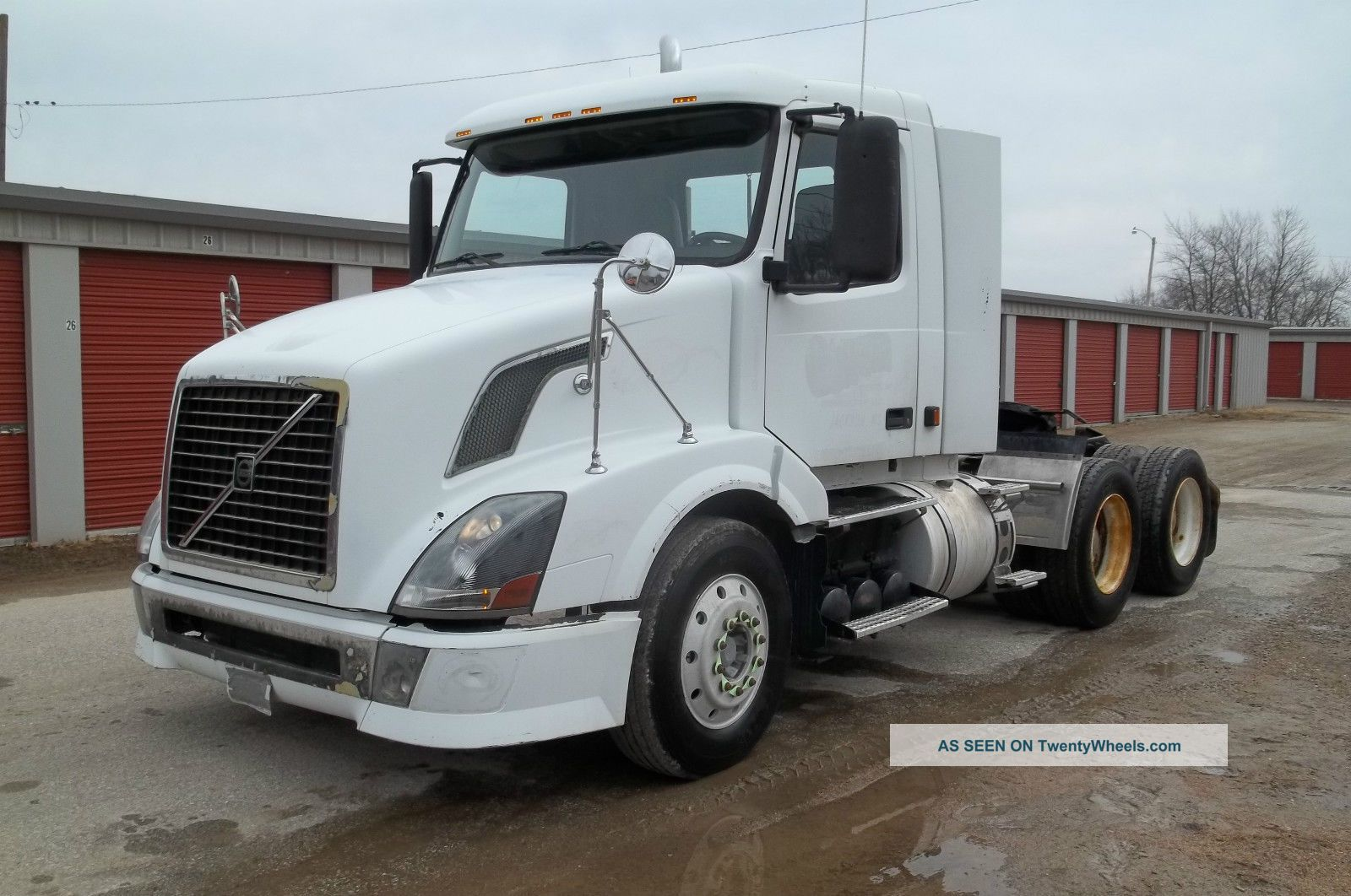 2005 Volvo Vnl64t Financing Available Daycab Semi Trucks photo