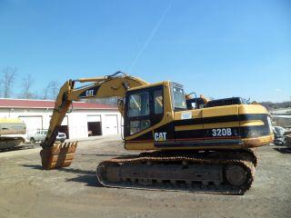 Caterpillar 320b Excavator photo