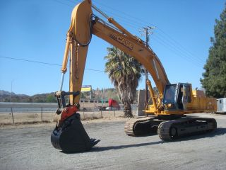 Case 9060 Only 2840 Hours,  99.  500 Operating Weight,  32 Ft Digiging Dept.  2.  5 Yard photo