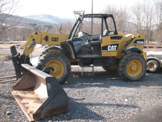 Caterpillar 2006 Th350b Telehandler Telescopc Forklift W/1.  3yd.  Bucket photo