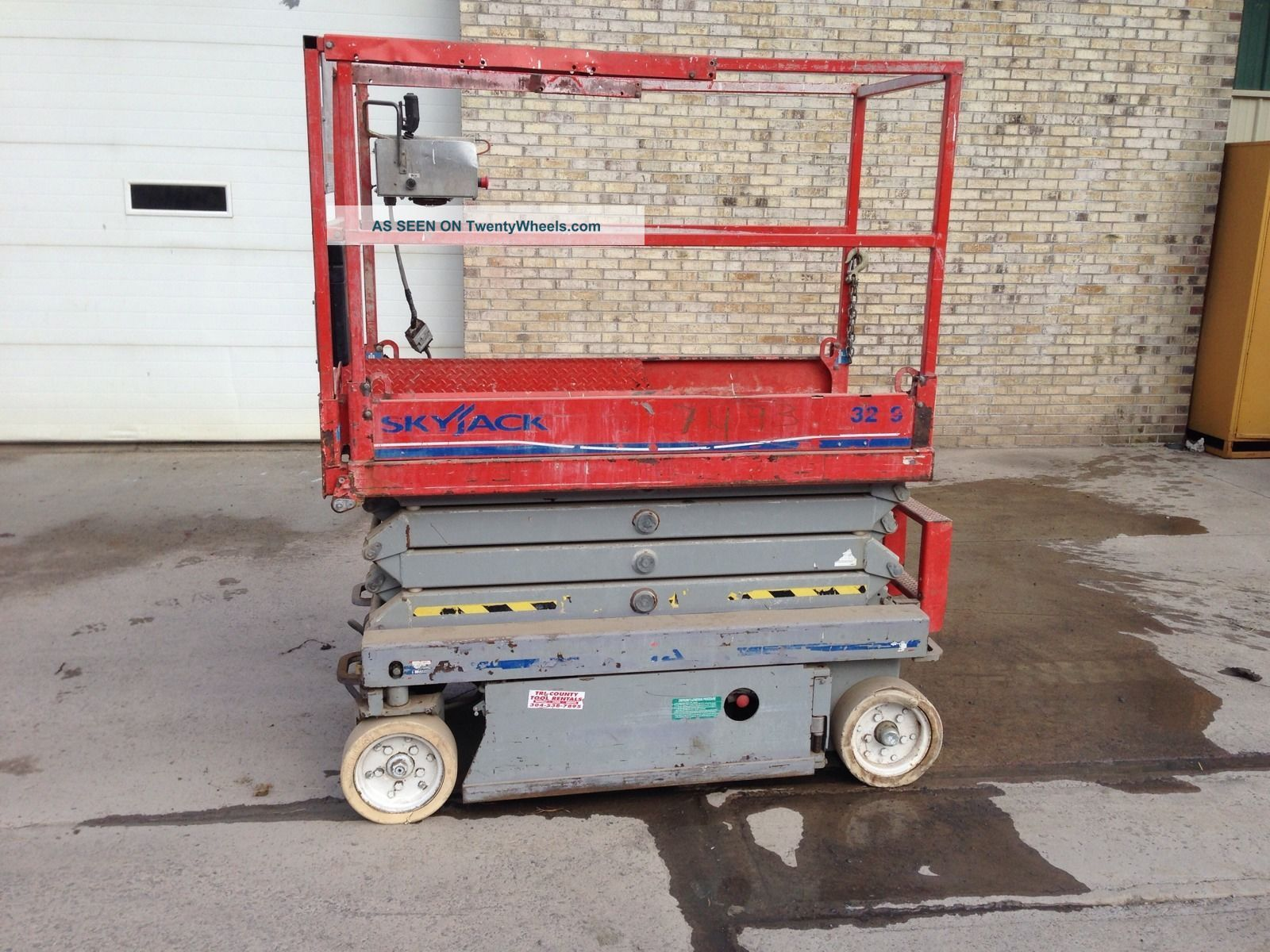 Skyjack Scissor Lift 3219 Other photo