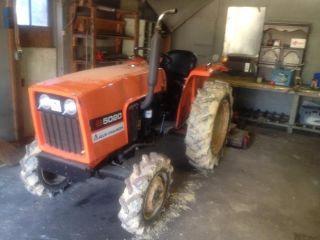 1982 Allis Chalmer 5020 Diesel Tractor photo