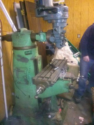 Bridgeport Milling Machine photo