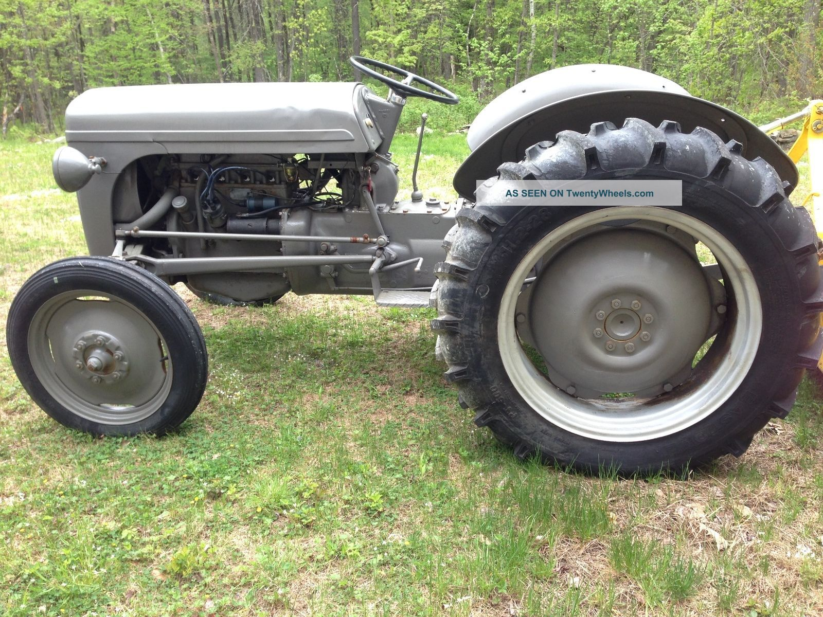 To 20 Ferguson Tractor : Ferguson to tractor with m brush hog mower