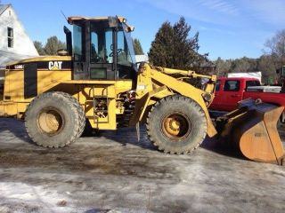 2000 Caterpillar 938g Loader With Coupler,  A/c Video photo