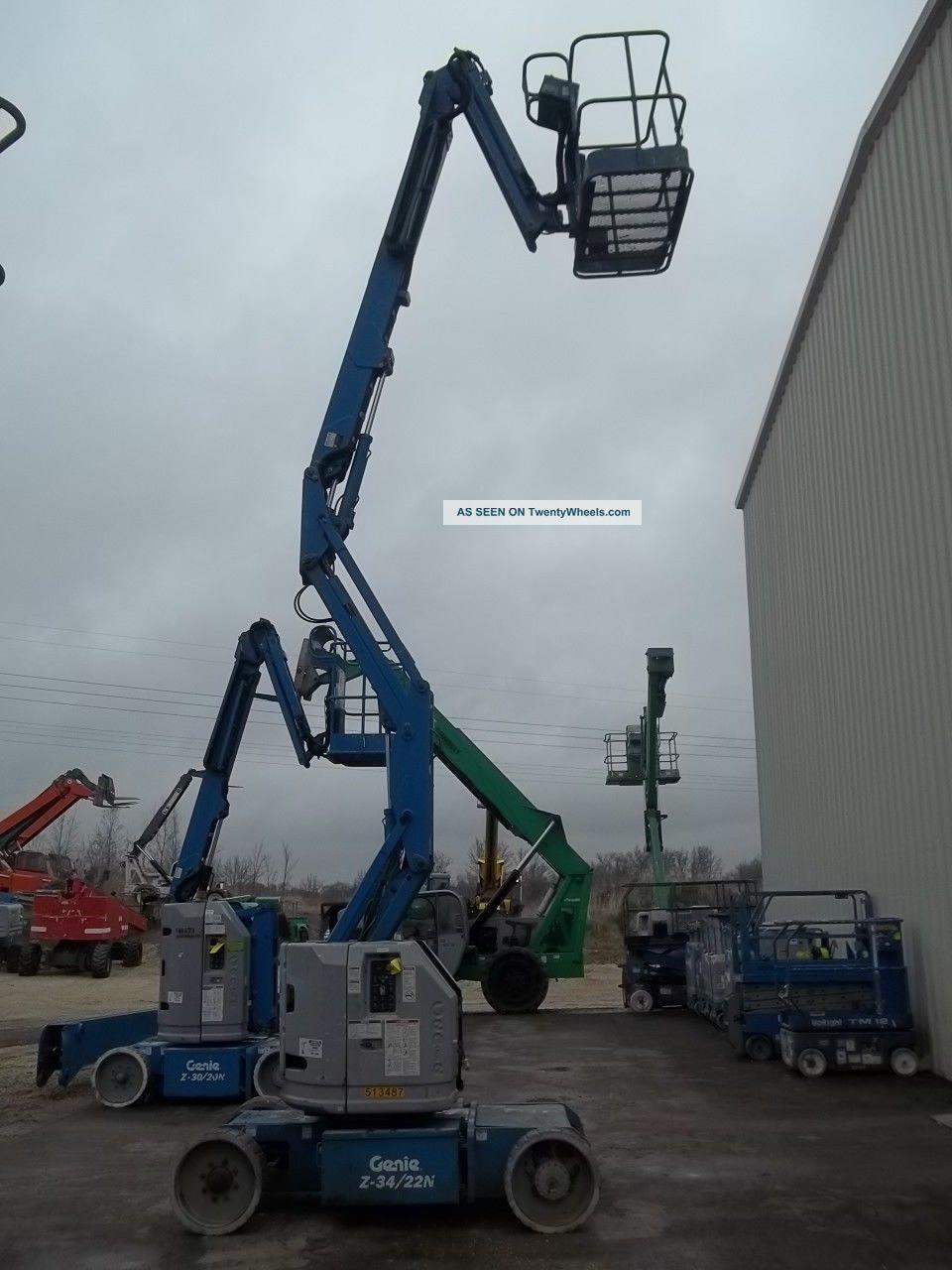 Narrow Articulating Boom Lift : Look genie narrow electric articulated boom lift