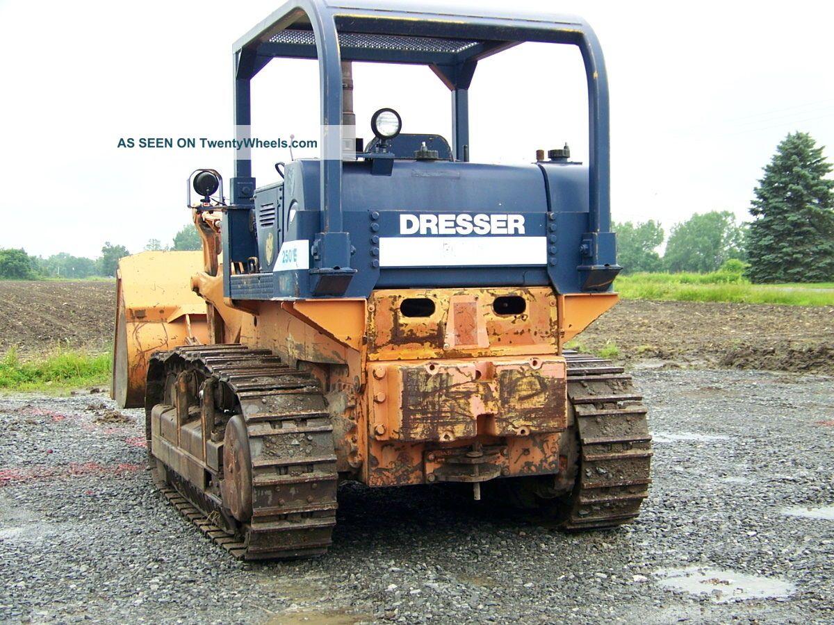 pale cingolate Crawler_loader___track_loader_1988_dresser_250e_3_lgw