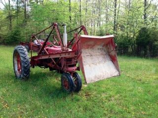 Farmall H Tractor With Loader Thumb Lgw
