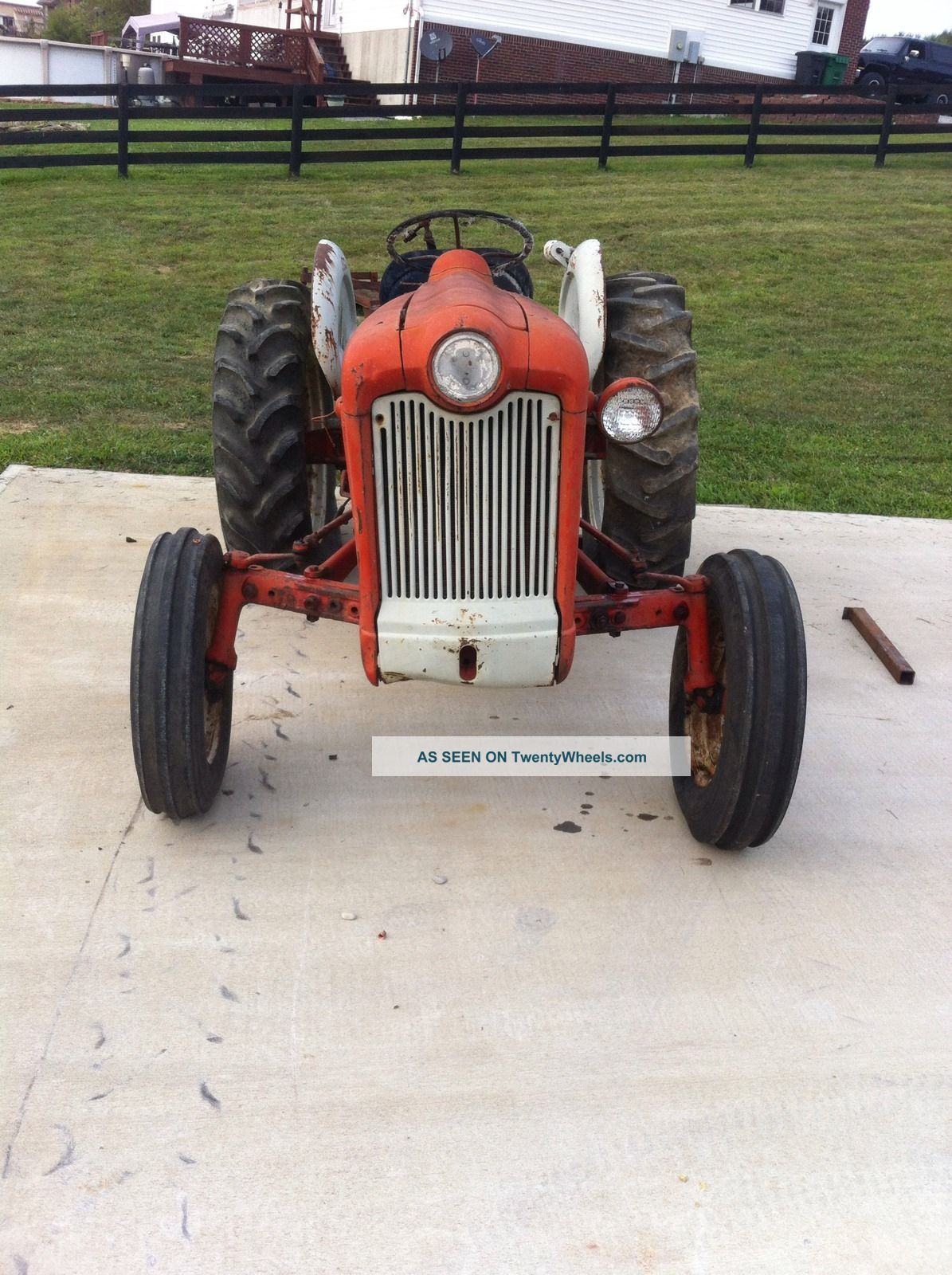 Ford 601 Workmaster Specifications : Ford workmaster tractor