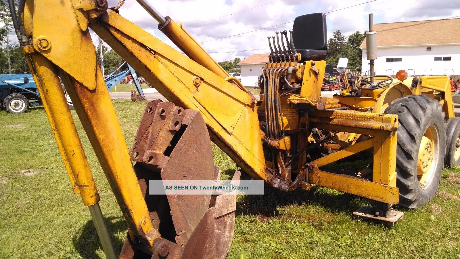 21447 Massey ferguson tractor loader backhoe  3 point  rear pto   middlefield ohio on used semi dump trailers ohio