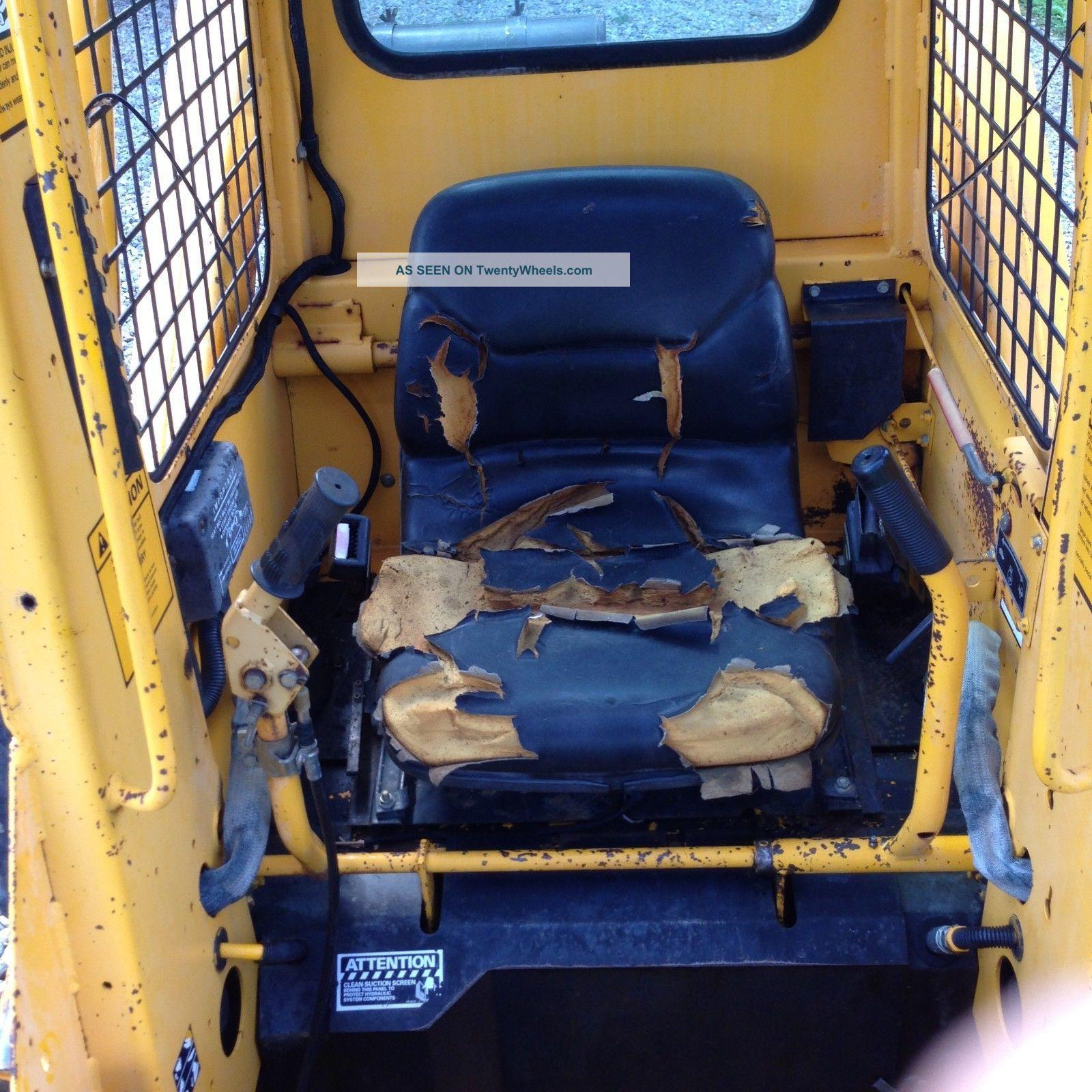 John Deere 675b Rubber Tire Excavator With Bucket