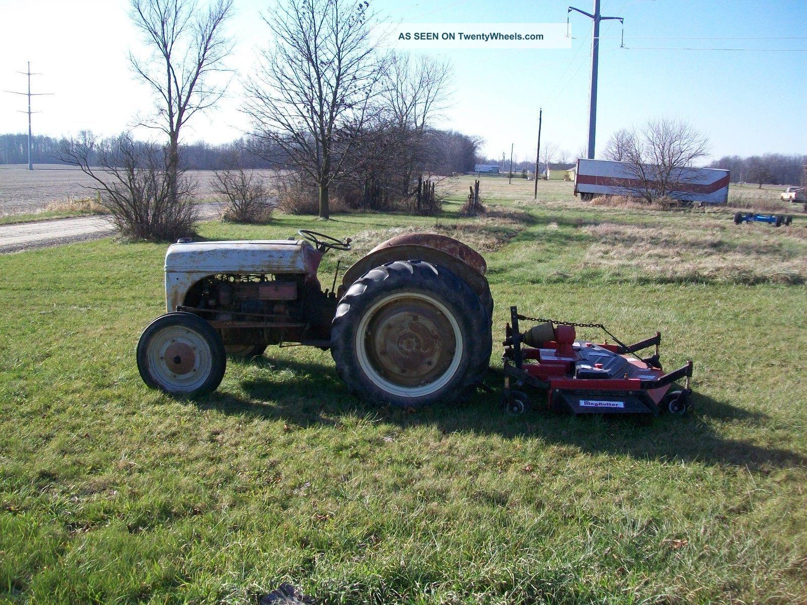 Antique ford tractors pictures Antique Tractors Photo Gallery - Pictures of Antique Tractors