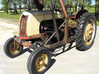 Cockshutt 35 Gasoline Vintage Tractor With Hydraulic Loader photo