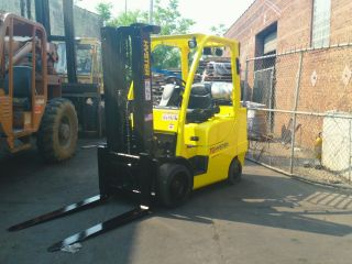 7000 Lb Hyster Forklift Triple Mast With Ss Cushion Tires photo