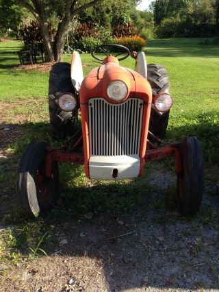 Ford Tractor Model 600 - 601 - Pto,  3 Point Lift,  Attachments,  Implements photo