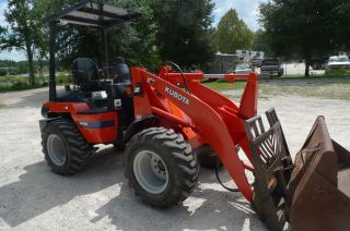2002 Kubota R520 Compact Wheel Loader photo