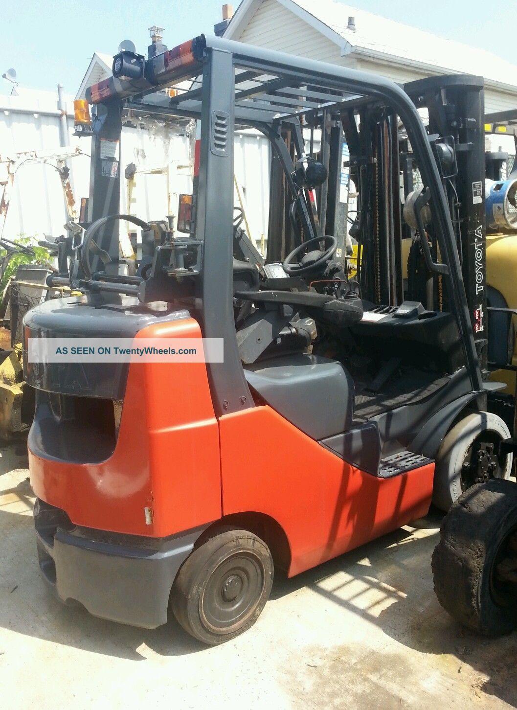 Toyota Forklift Starting Bid 5800 00