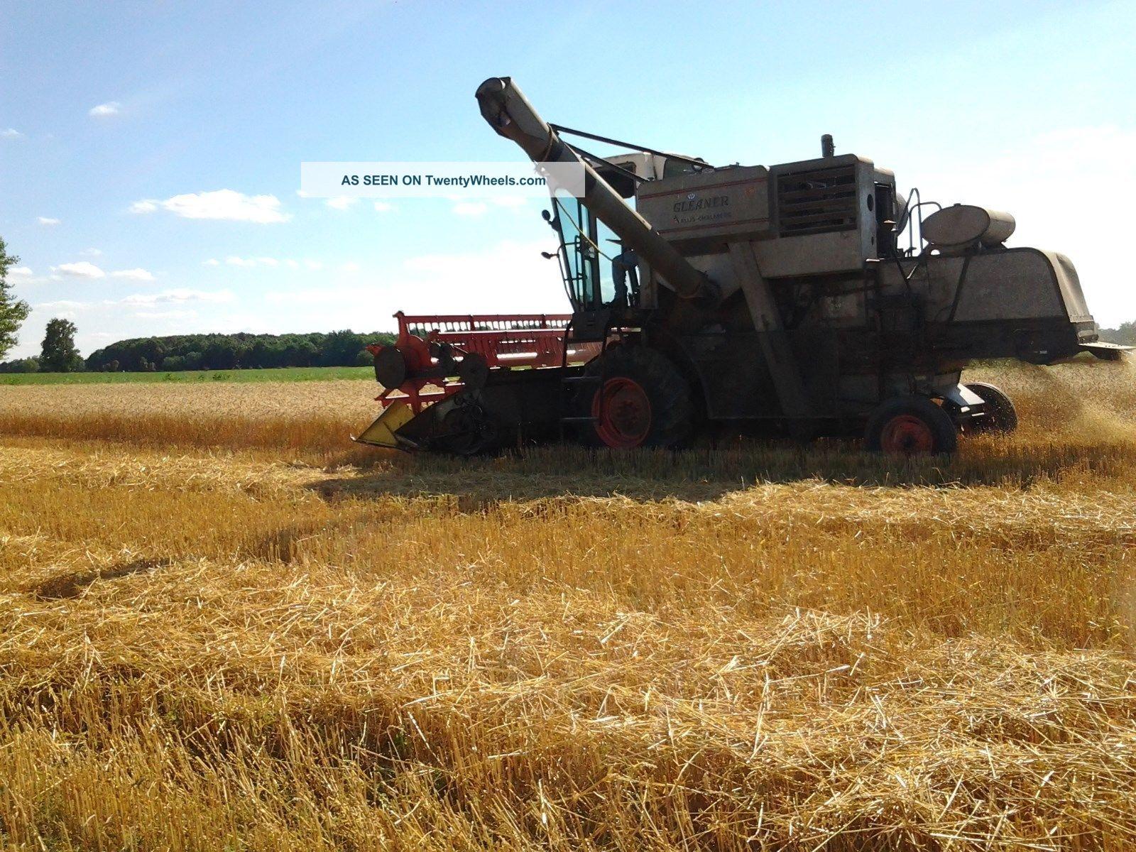 Gleaner E Combine : Gleaner e combine