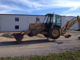 Ford 655d Backhoe photo