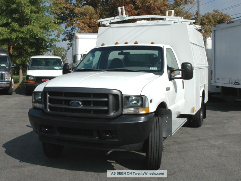 ford  enclosed utility service truck