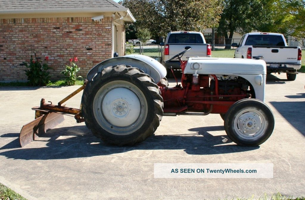 1950 Ford Tractor : N ford tractor