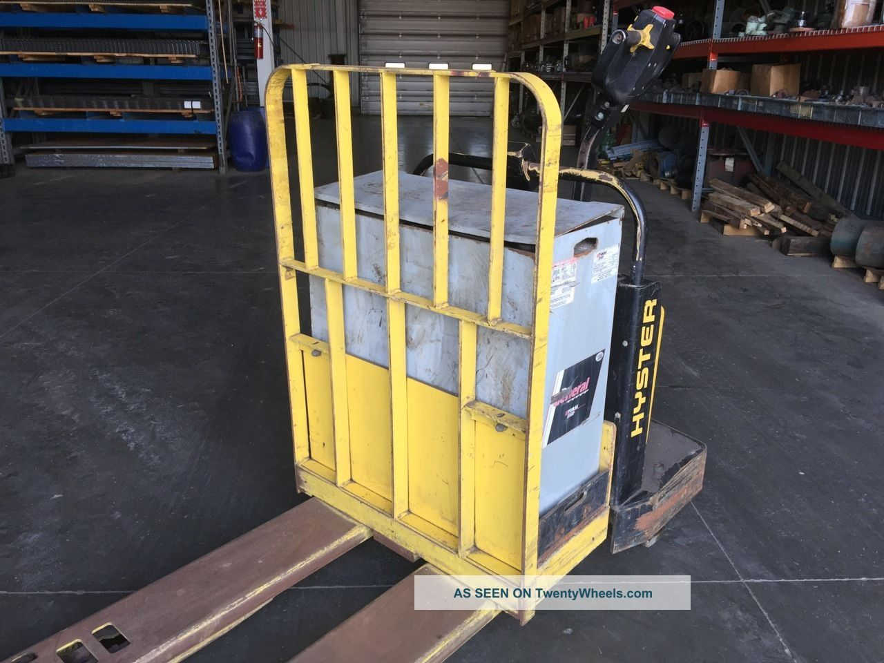 how to start battery powered forklift