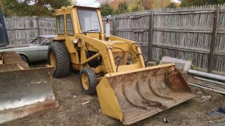 Ford 4000 Tractor W/pto W/5ft Bucket photo
