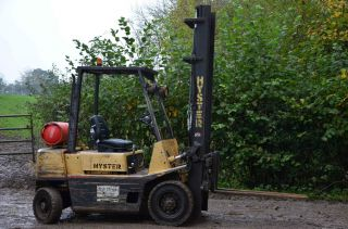 Hyster 2000 Kg Gas Forklift,  Model H200xh No Vat,  Can Be Seen Lifting photo