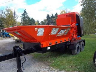 Jenz American Commercial Grinder,  Shredder 225hp Jd.  With Trailer,  City Own photo