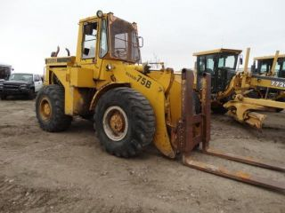 Clark 75b Wheel Loader 5.  9 Cummins Diesel Same As Case 621 photo
