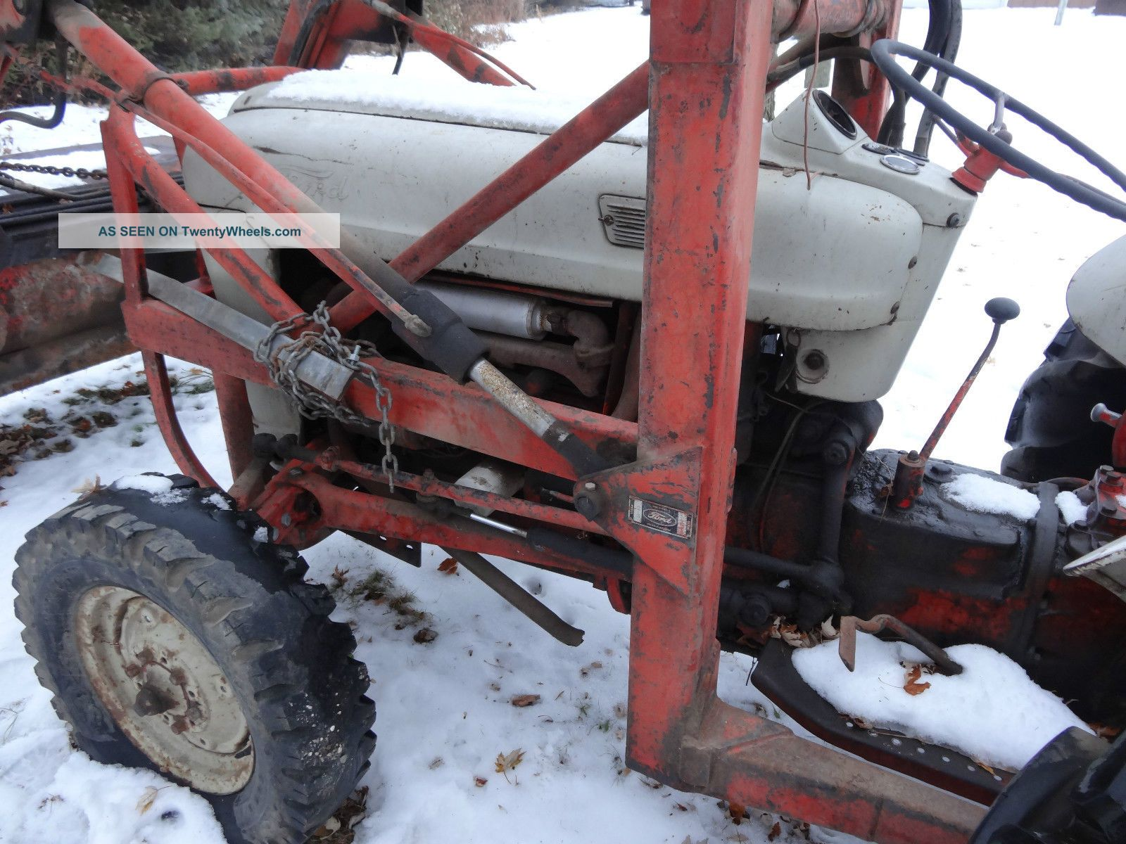 Ford 800 Tractor Information : Ford utility tractor with all hydraulic loader