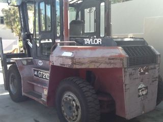 21,  000 Lbs.  Forklift Taylor Gt210 Very Good 10.  5 Ton Forklift photo
