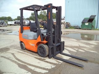 2004 - 06 Toyota Model 7fgcu20,  4,  000,  4000 Cushion Tired Forklift,  117