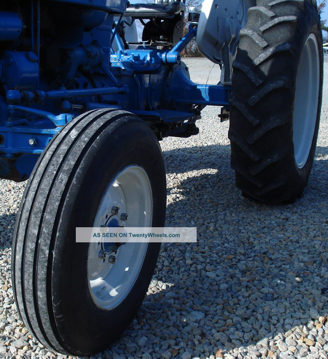 Ford 2000 Tractor 3 Cylinder : Ford tractor hours cylinder pto point