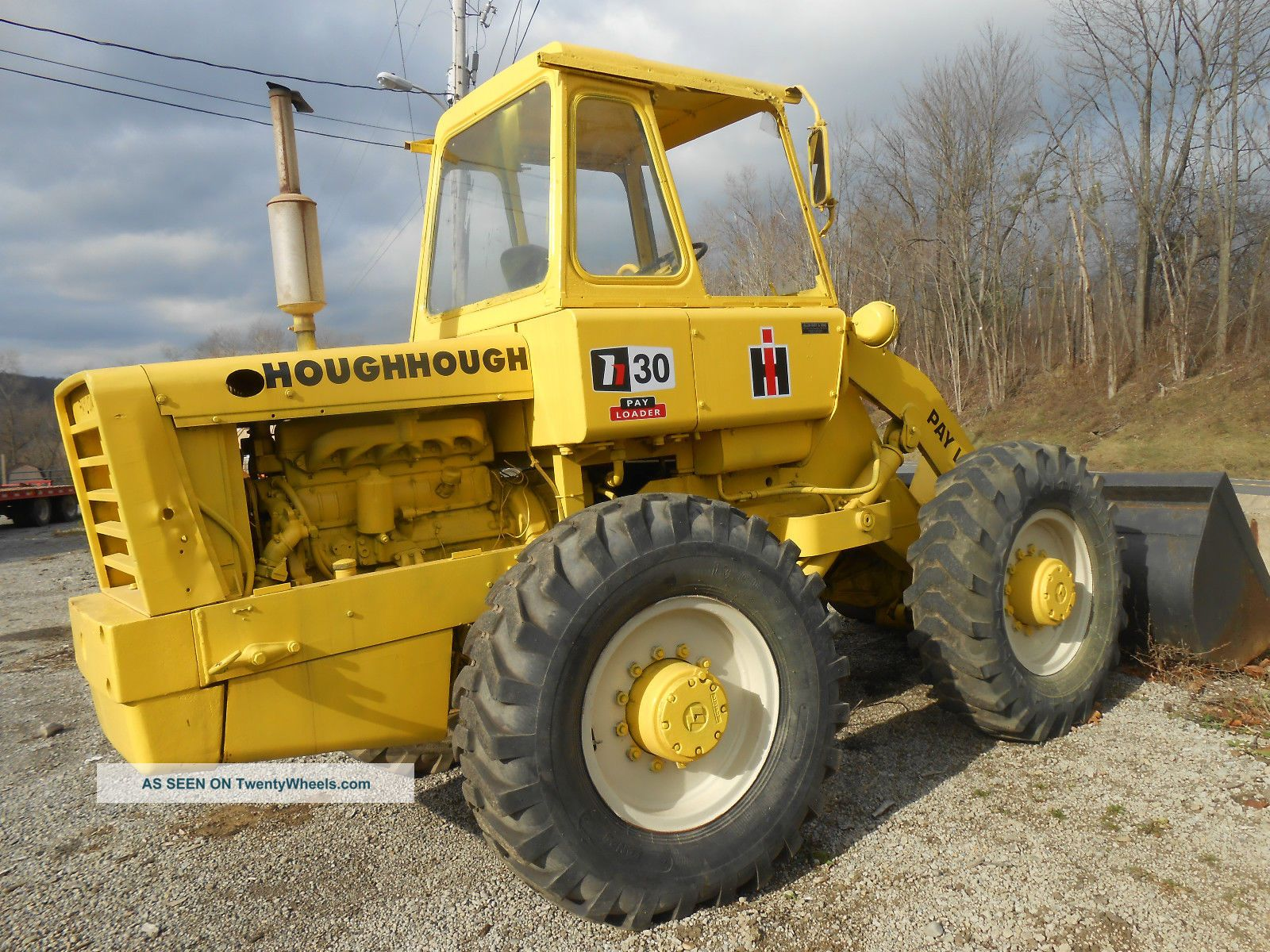 LM621  volvo caricatore Hough_30_4x4_loader_diesel_cab_and_all_good_tires_old_but_good_in_pa_1_lgw