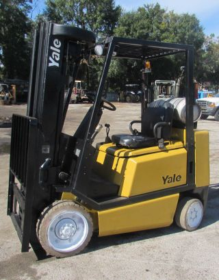 Yale 4 Stage Mast Forklift photo
