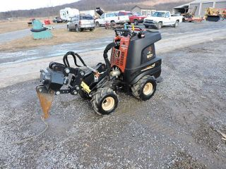 2008 Ditch Witch R230 Zahn Articulating Vibratory Plow Trencher Mini Skid Steer photo