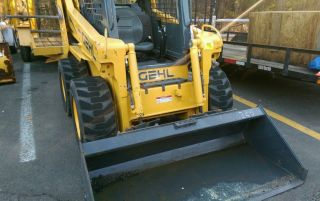 2012 Gehl 5240 Turbo Skid Steer Loader Only 912 Hours Only On Pavement photo