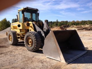 2000 Volvo L90d Wheel Loader photo