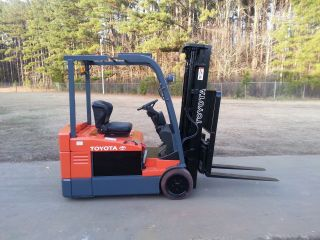 Toyota 7fbeu20 36 Volt Forklift Truck W/2010 95%+ Reconditioned Battery&charger photo